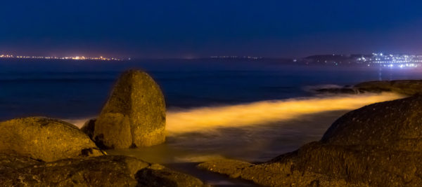 ocean-rock-in-the-moon-light